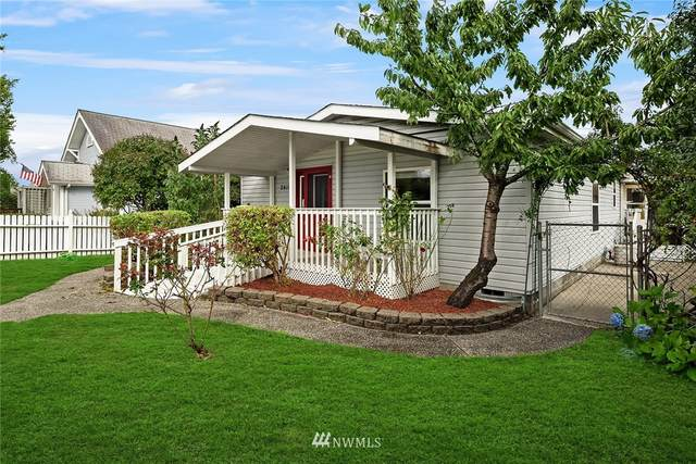 2411 Maple Street, Everett, WA 98201 (#1667217) :: Ben Kinney Real Estate Team