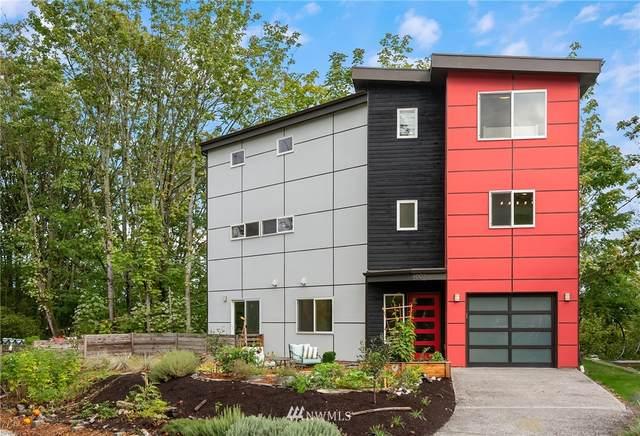 607 Austin Street, Seattle, WA 98106 (#1668023) :: Urban Seattle Broker