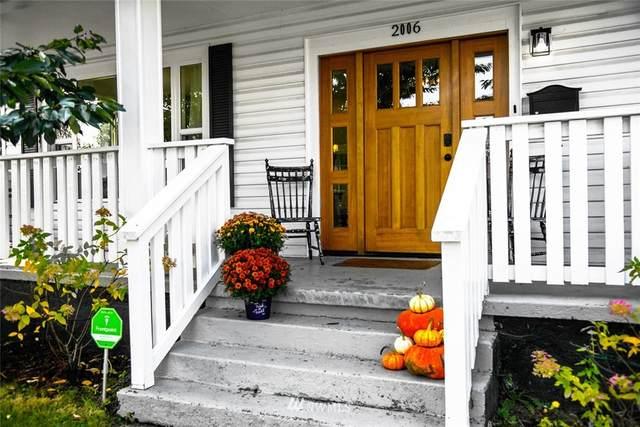 2006 Oakes Avenue, Everett, WA 98201 (#1670880) :: Mike & Sandi Nelson Real Estate