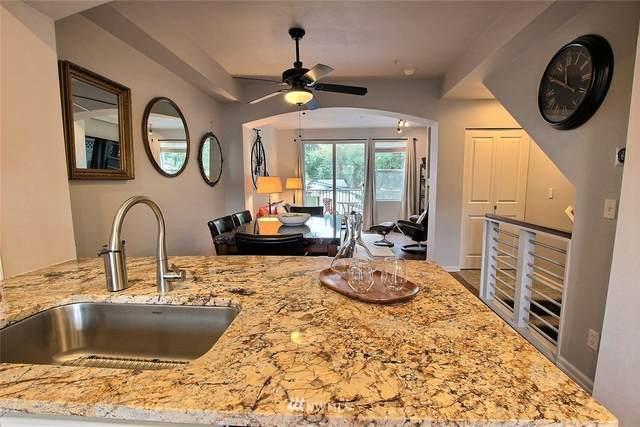 15325 SE 155th Place Q-4, Renton, WA 98058 (#1673986) :: Pickett Street Properties