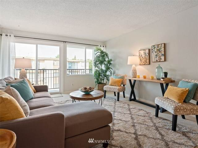11556 Greenwood Avenue N #302, Seattle, WA 98133 (#1678796) :: Beach & Blvd Real Estate Group