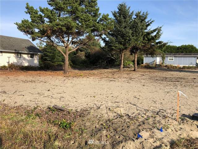 373 N Wynoochee Drive SW, Ocean Shores, WA 98569 (#1682396) :: Mike & Sandi Nelson Real Estate