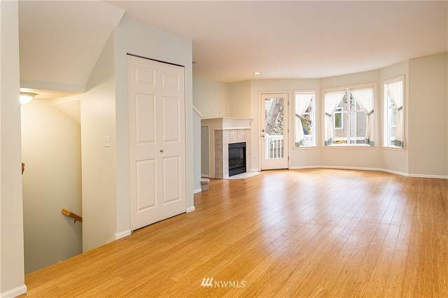 12539 27th Avenue NE, Seattle, WA 98125 (#1687970) :: Lucas Pinto Real Estate Group