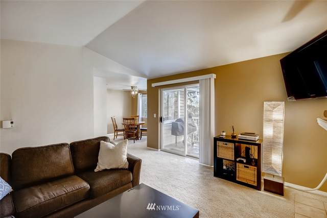 19230 NE Forest Park Drive G321, Lake Forest Park, WA 98155 (#1691054) :: The Snow Group