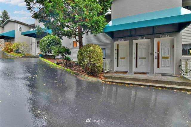 13217 15th Avenue NE A-8, Seattle, WA 98125 (MLS #1693058) :: Community Real Estate Group