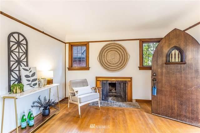 8240 17th Avenue NE, Seattle, WA 98115 (MLS #1693403) :: Community Real Estate Group