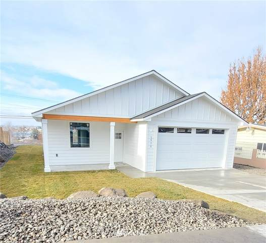 1212 S Baker Street, Moses Lake, WA 98837 (#1695341) :: TRI STAR Team | RE/MAX NW