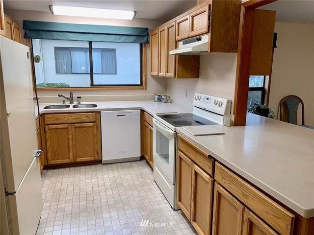 1529 63rd Street SE C-1, Everett, WA 98203 (#1697073) :: Ben Kinney Real Estate Team
