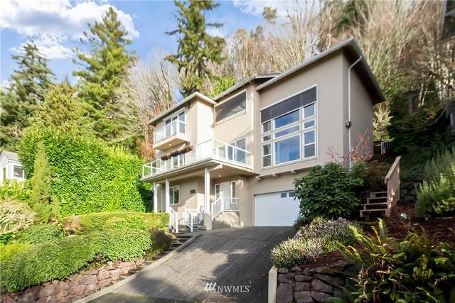 10430 47th Avenue SW, Seattle, WA 98146 (#1711493) :: Ben Kinney Real Estate Team