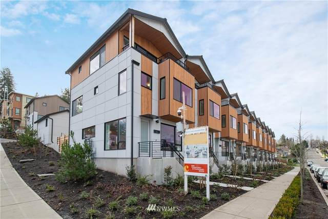 3819 S Cloverdale Street #10, Seattle, WA 98118 (#1715463) :: Ben Kinney Real Estate Team