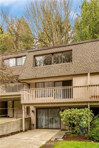 16932 NE 2nd Place, Bellevue, WA 98008 (#1718045) :: Tribeca NW Real Estate