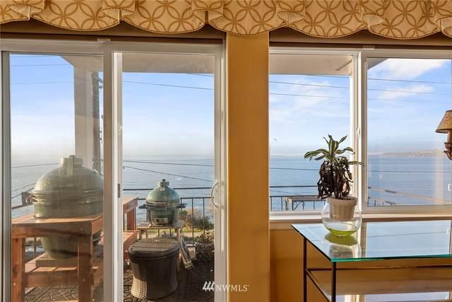 1718 Alki Avenue SW #400, Seattle, WA 98116 (#1721156) :: McAuley Homes