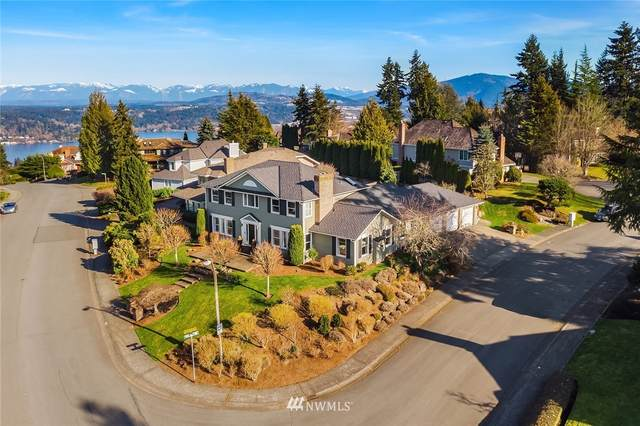 17303 SE 45th Street, Bellevue, WA 98006 (#1743499) :: Shook Home Group