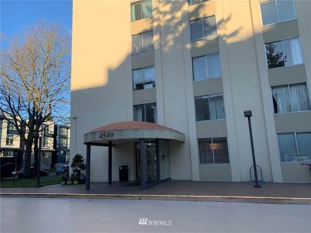 4540 8th Avenue NE #306, Seattle, WA 98105 (#1749416) :: Costello Team
