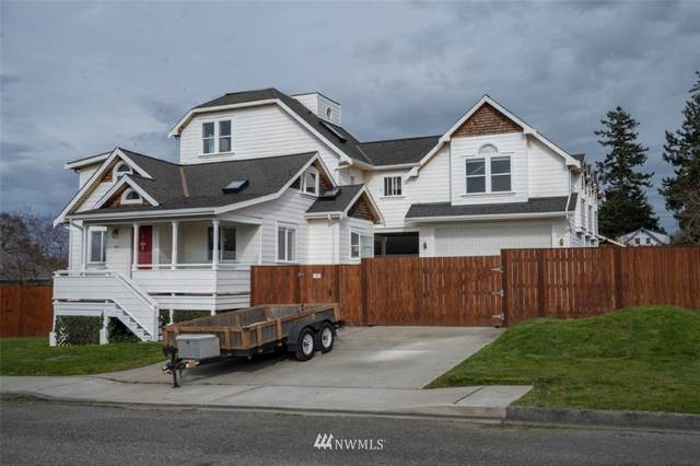 3915 R Avenue, Anacortes, WA 98221 (#1751635) :: Costello Team