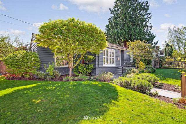 2200 45th Avenue SW, Seattle, WA 98116 (#1756619) :: Ben Kinney Real Estate Team