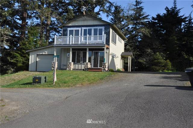 1142 Hemlock Street NE, Ilwaco, WA 98624 (#1762039) :: Shook Home Group
