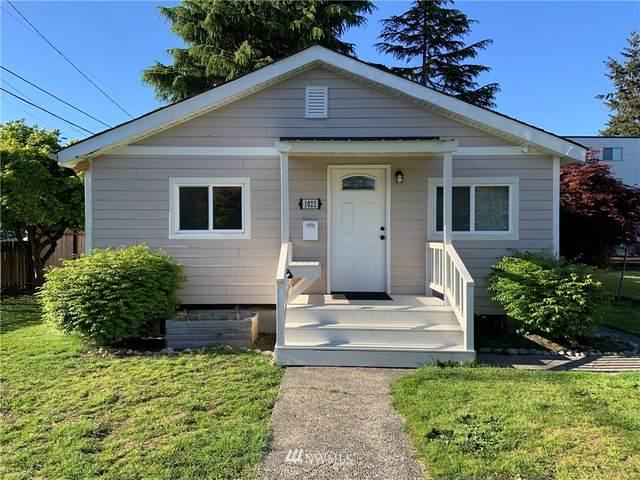 1022 SW Portland Street, Seattle, WA 98106 (#1769842) :: Provost Team | Coldwell Banker Walla Walla