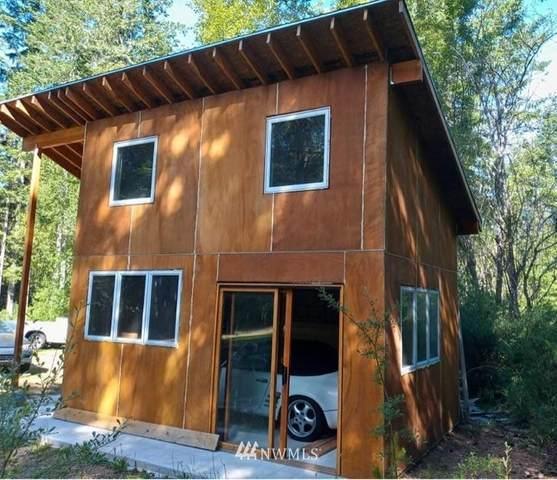880 NE Collins Lake Drive, Tahuya, WA 98588 (#1770939) :: Pickett Street Properties