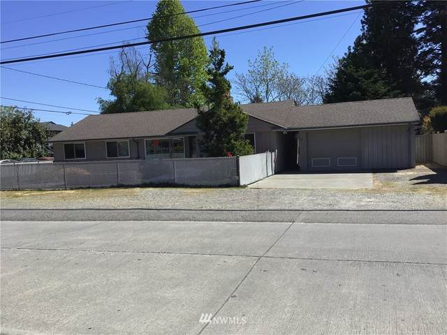 523 N 143rd Street, Seattle, WA 98133 (#1774209) :: Keller Williams Western Realty
