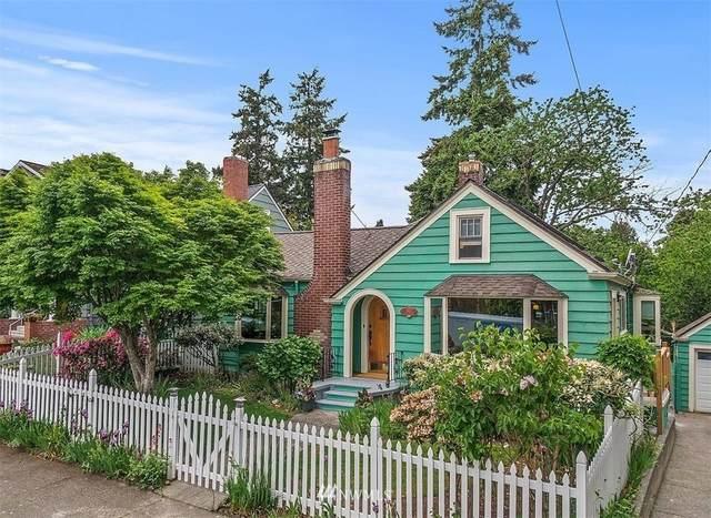 1901 41st Avenue SW, Seattle, WA 98116 (#1777499) :: Keller Williams Western Realty