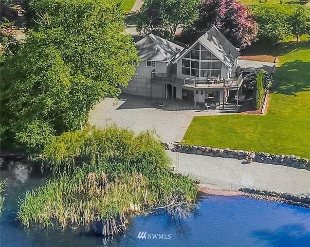 335 Lochwood Drive, Camano Island, WA 98282 (#1781379) :: Alchemy Real Estate