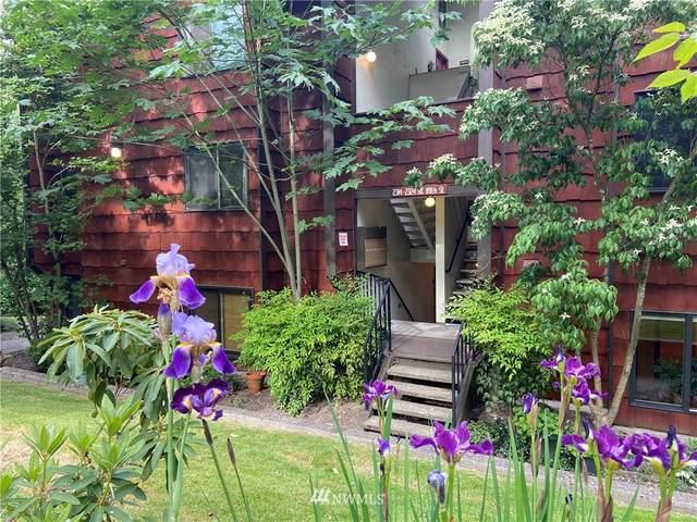 2314 NE 89th Street #2314, Seattle, WA 98115 (#1786430) :: Canterwood Real Estate Team