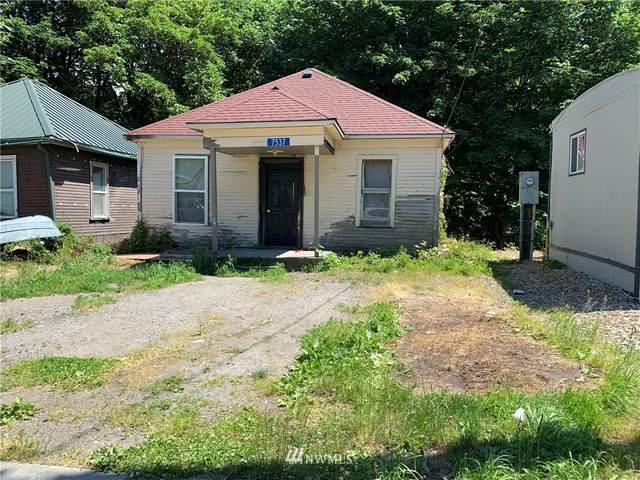 7537 S Dillard Avenue, Concrete, WA 98237 (MLS #1796685) :: Brantley Christianson Real Estate
