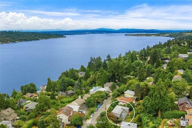 11941 Lakeside Avenue NE, Seattle, WA 98125 (#1810528) :: Keller Williams Realty