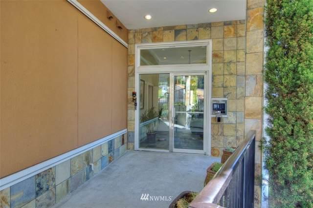 4752 41st Avenue SW #304, Seattle, WA 98116 (#1810689) :: Lucas Pinto Real Estate Group
