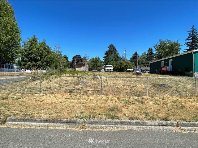 9001 S Thompson Avenue, Tacoma, WA 98444 (#1812709) :: Priority One Realty Inc.