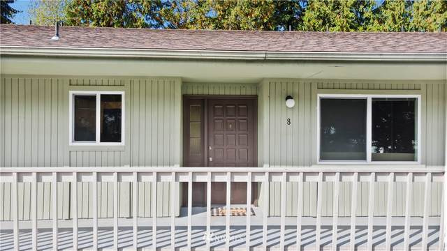 8017 196th Street SW B8, Edmonds, WA 98026 (#1842663) :: Ben Kinney Real Estate Team