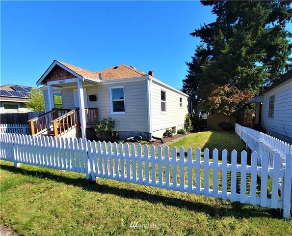 2425 Pine Street, Everett, WA 98201 (#1845098) :: Ben Kinney Real Estate Team