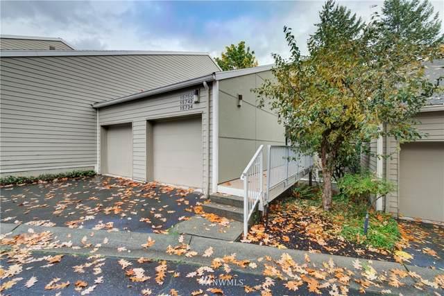 15742 NE 70th Court #15742, Redmond, WA 98052 (#1852707) :: Ben Kinney Real Estate Team