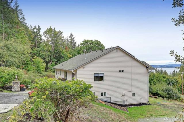 2074 Bayridge Lane, Camano Island, WA 98282 (#1204105) :: Ben Kinney Real Estate Team