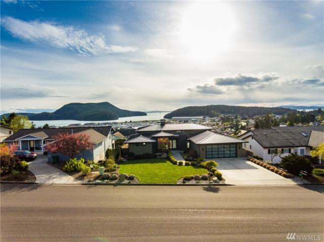1901 Highland Dr, Anacortes, WA 98221 (#1273879) :: The Robert Ott Group