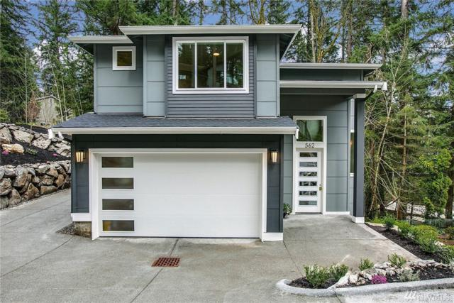 562 SW Ellerwood, Issaquah, WA 98027 (#1306991) :: Homes on the Sound