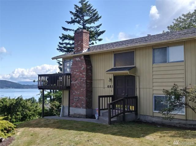 601 38th St, Anacortes, WA 98221 (#1308887) :: Keller Williams Realty