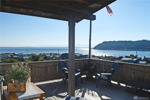 8273 Sandy Hook Dr, Clinton, WA 98236 (#1323886) :: Homes on the Sound