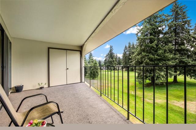 16929 Inglewood Rd NE #305, Kenmore, WA 98028 (#1333726) :: Homes on the Sound