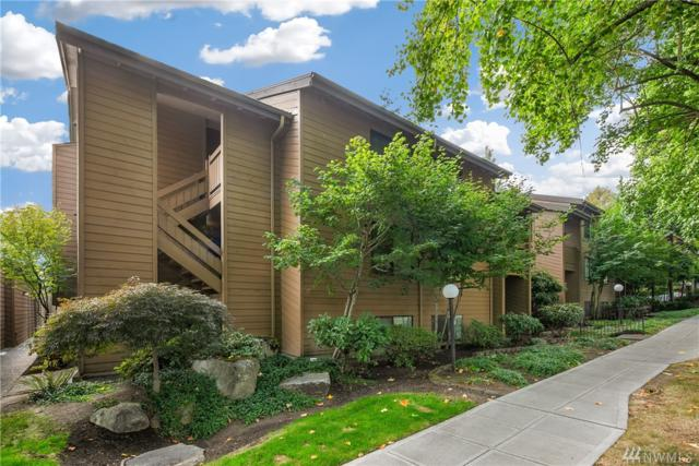 1819 N 107th St #204, Seattle, WA 98133 (#1352104) :: Homes on the Sound