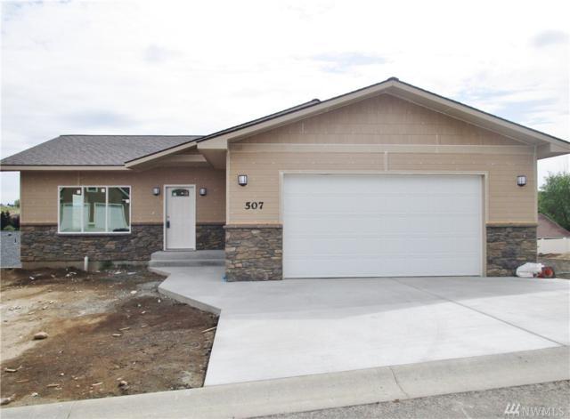 507 N 15th St, Selah, WA 98942 (#1393660) :: Homes on the Sound