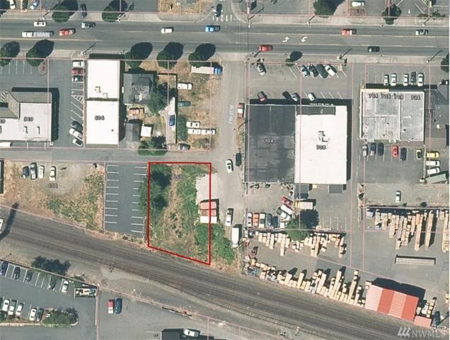 110 7th St SE, Puyallup, WA 98372 (#1402741) :: Keller Williams Western Realty
