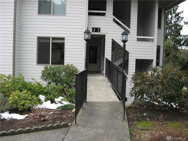 23401 Lakeview Dr J-201, Mountlake Terrace, WA 98043 (#1406371) :: Hauer Home Team