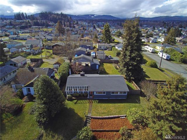 1110 E 2nd St, Port Angeles, WA 98362 (#1427560) :: Hauer Home Team