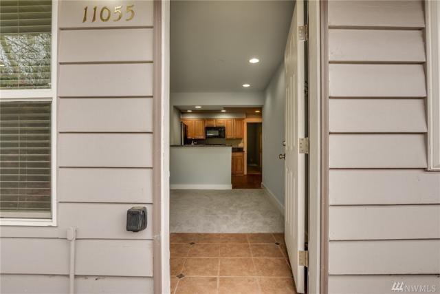 11055 Greenwood Ave N #1, Seattle, WA 98133 (#1438297) :: Beach & Blvd Real Estate Group