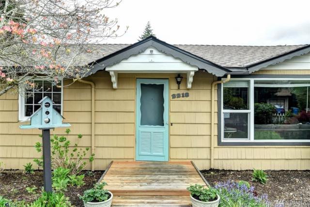 2218 NE 171st St, Shoreline, WA 98155 (#1442098) :: KW North Seattle
