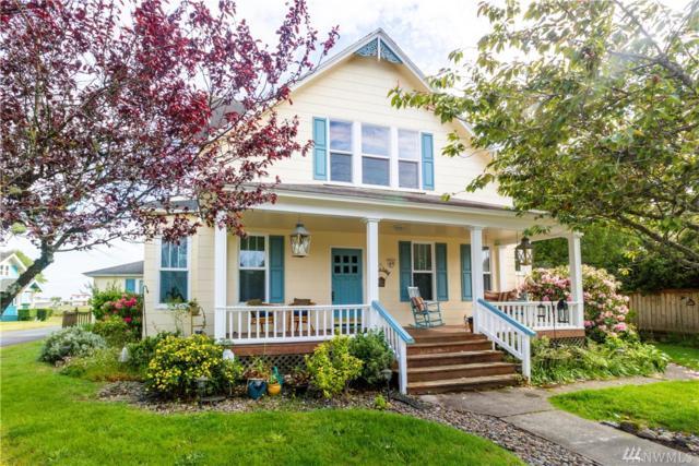 307 Lake St, Ilwaco, WA 98624 (#1463800) :: Real Estate Solutions Group