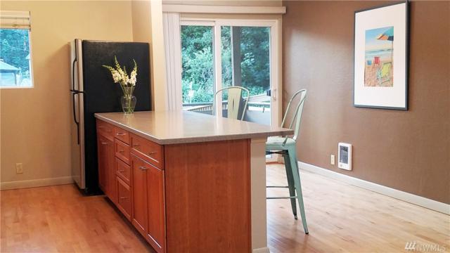 465 Winslow Wy E #201, Bainbridge Island, WA 98110 (#1469402) :: Better Properties Lacey