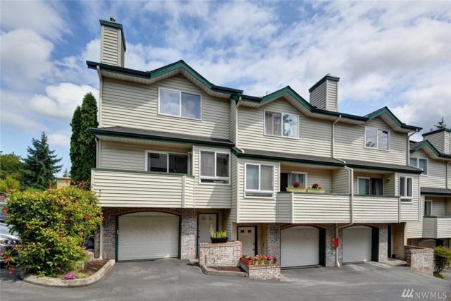 19523 Aurora Ave N A-1, Shoreline, WA 98133 (#1473248) :: Keller Williams Realty